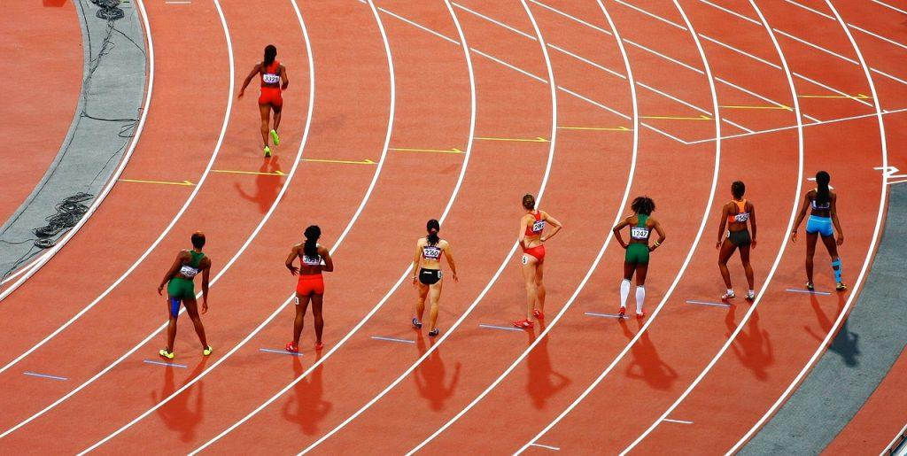 women, race, track and field-801940.jpg
